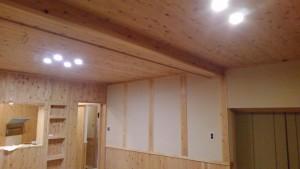 壁板・天井板にも 小国杉を使って頂いています。